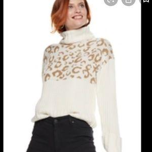 Nine West cream and tan leopard turtleneck sweater